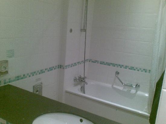 Holiday Inn High Wycombe M40, Jct.4: Bath