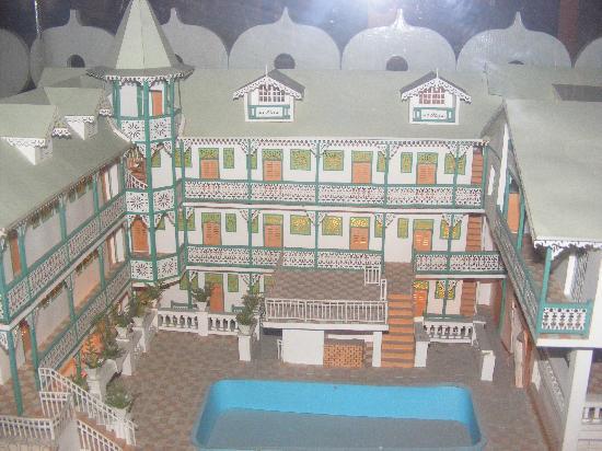 Kinam Hotel : model of the Kinam in the Lobby