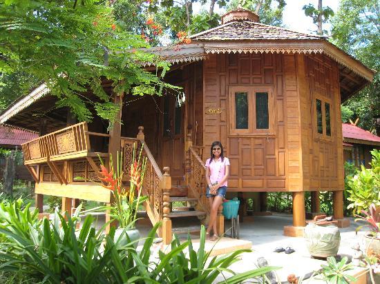 Rayong Province, Thailand: Thai Hut