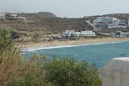 Mykonos Bay Hotel: Vue générale en venant de Mykonos