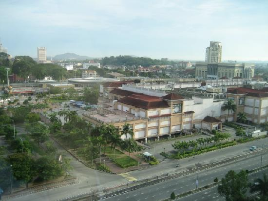 Holiday Inn Melaka: View from rm is shopping mall