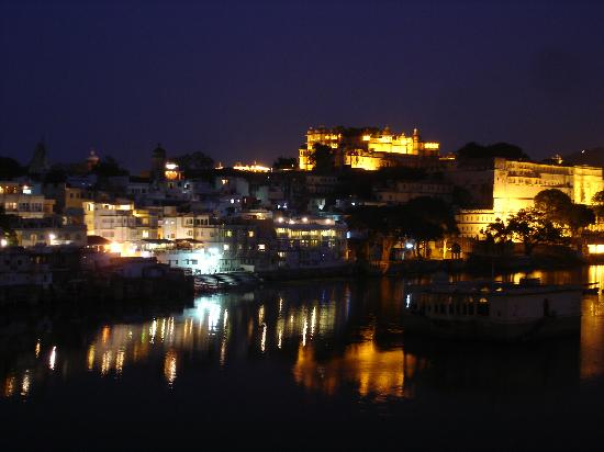 Hotel Sarovar on Pichola: Roof-top view