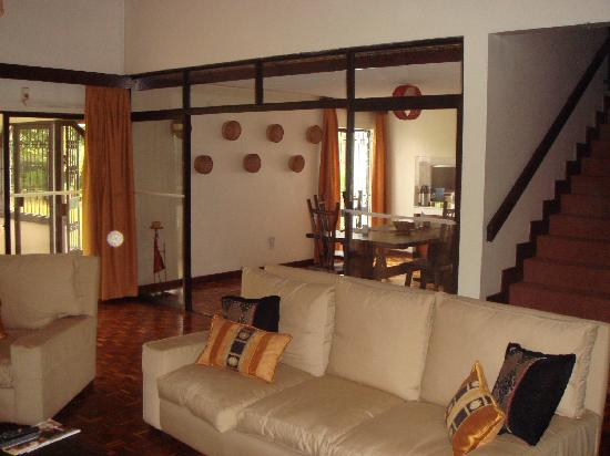 Gigiri Homestead: Lounge & Dinning Room