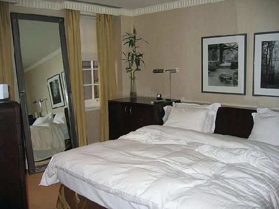 Windsor Arms Hotel: Master Bedroom