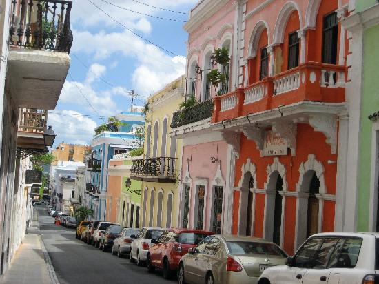 Old San Juan: More colorful buildings