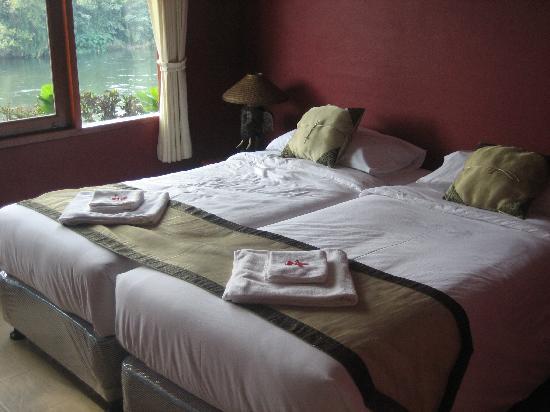 Oriental Kwai Resort: One bed