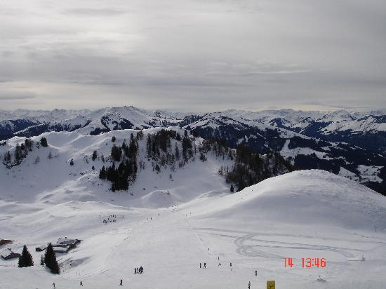 Jägerwirt Hotel: This was a picture that i took from the chair lift..amazing!