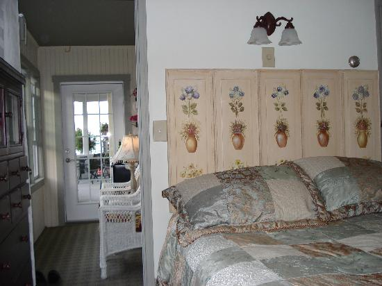 By The Sea Bed and Breakfast: Winslow Suite private porch to breakfast porch