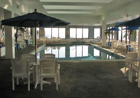 Hampton Inn - St. Louis Downtown at the Gateway Arch: Pool area