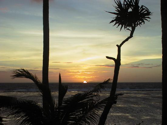 Ha'apai Resort at Billy's Place: Sunrise at Billy´s Place, Boxing day 2002