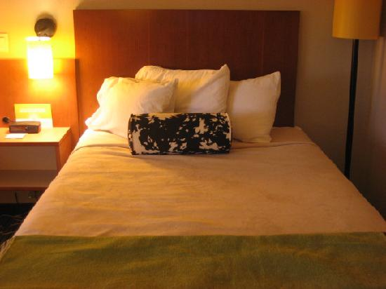 La Quinta Inn & Suites Durham Research Triangle Pk: The Bed