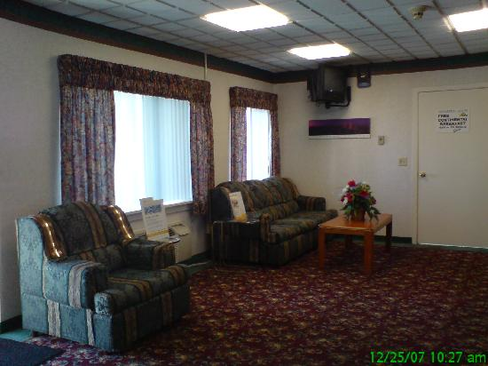 Econo Lodge Cranston: Days Inn Cranston Warwick - Lobby