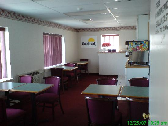 Econo Lodge Cranston: Days Inn Cranston Warwick - Breakfast area