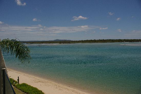 Noosa Harbour Resort : Our view up river