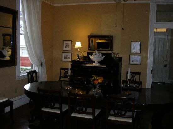 1888 Wensel House B&B: Dining Room