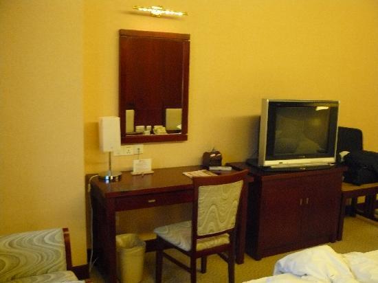 Hangzhou Merchant Marco Edgelake Hotel : standard room (twin bed), Hangzhou New Centruy Hotel