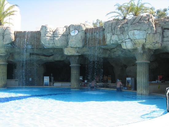 Otium Hotel Seven Seas: bar piscine