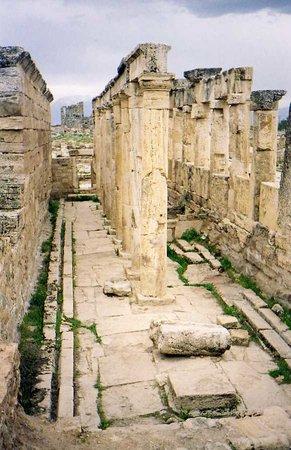 Denizli, Turkey: Hierapolis Latrina, antique latrines