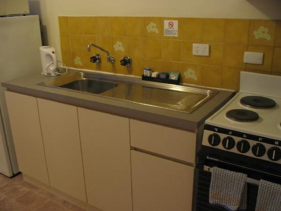 West Beach Lagoon: kitchen of an apartment