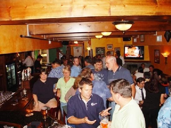 The Harp and Celt Irish Pubs and Restaurant: Friday night at the Celt Irish Pub