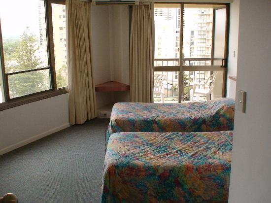 Aloha Apartments: Second Bedroom
