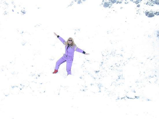 Argentina Alive (Aguirre): creo que me veo por el color del traje ¡increible lo que nevo!