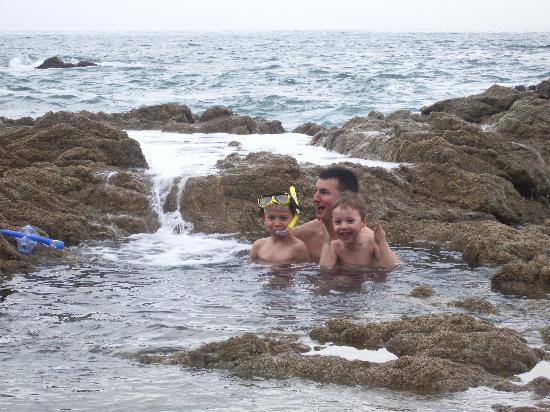 Playa Conchas Chinas Hotel: Natürlicher Whirlpool