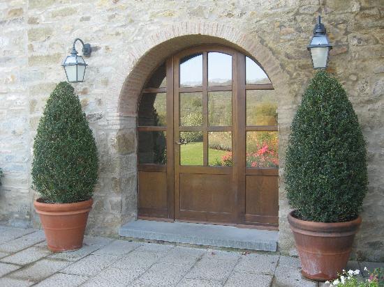 Casa Portagioia: entrance to dining area