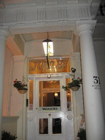 Jubilee Hotel: anouther entrance shot