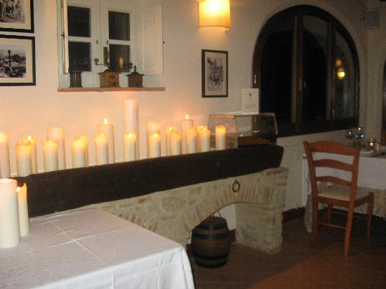 Casa Portagioia - Tuscany Bed and Breakfast: dining area for dinner!