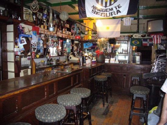 The Glyde Inn: The pub downstairs, so fun!