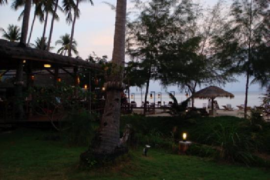 CoCo Cottage Koh Ngai : The evening vibe