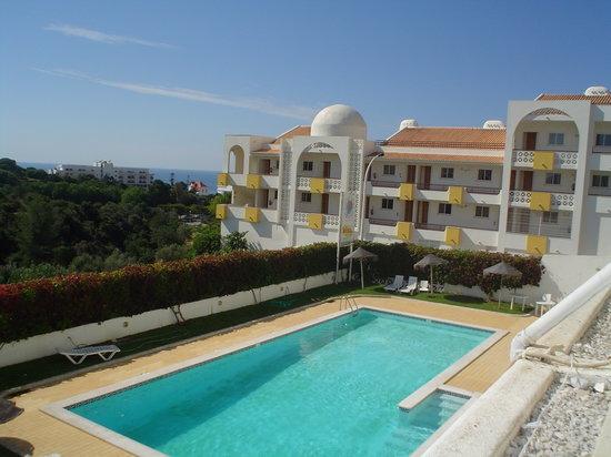 Elimar Apartments: pool