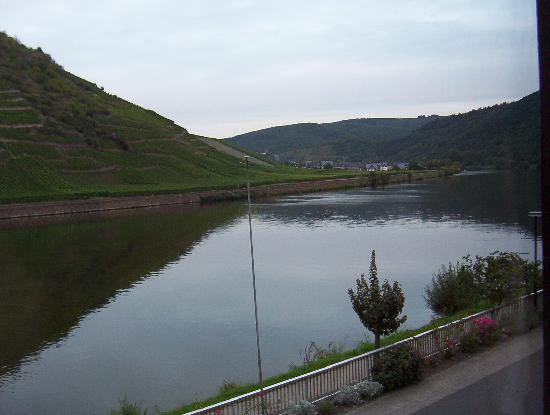 Mosel-Landhaus: Mosel river view from bedroom