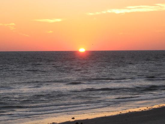 North Redington Beach, Φλόριντα: sunset looking north off 3rd floor balcony deck