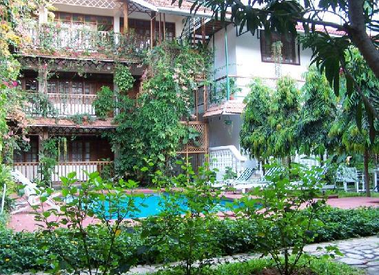 Protea Hotel by Marriott Dar es Salaam Courtyard: Der Innenhof des Courtyard macht dem Names des Hotels alle Ehre