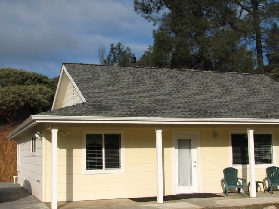 Yosemite Country Cottage : 3 bedrooms, 2 bath cottage