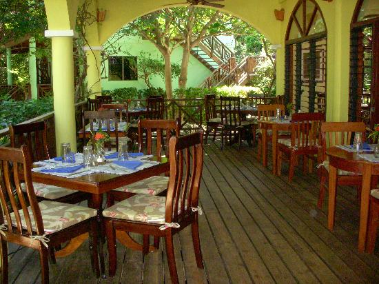 Hamanasi Adventure and Dive Resort: Where meals are served