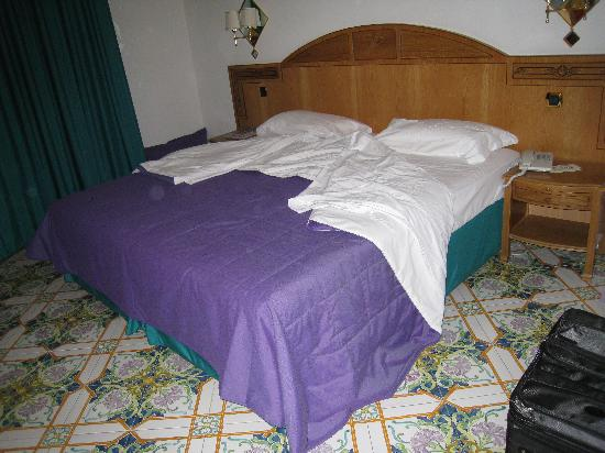 Grand Hotel Vesuvio: Not the most comfortable...