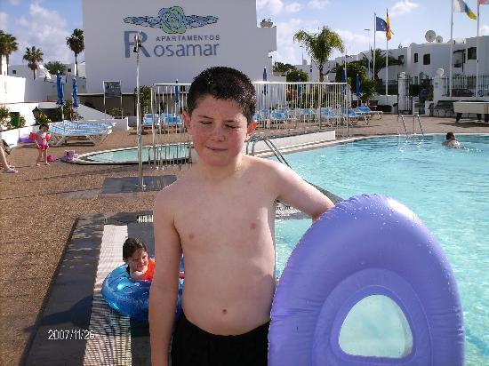 Rosamar Apartments: ryan enjoing the pool