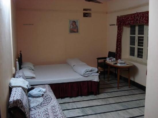 Shri Ganesh Hotel: Bedroom