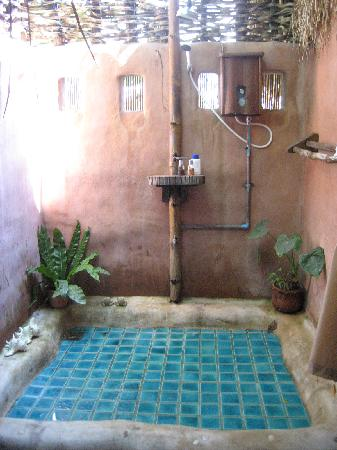 Koh Tao Cabana: the open air bathroom