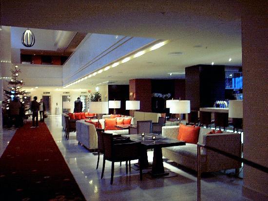 Sheraton Stockholm Hotel: Lobby mit Bar