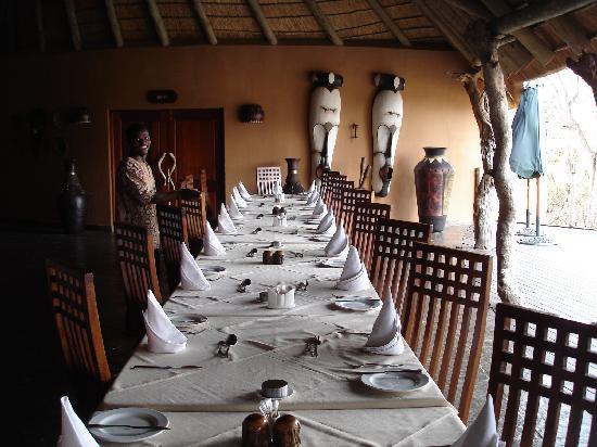Royal Legend Safari Lodge & Spa: la table