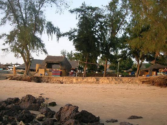 Somone, Senegal: la plage devant le bungalow