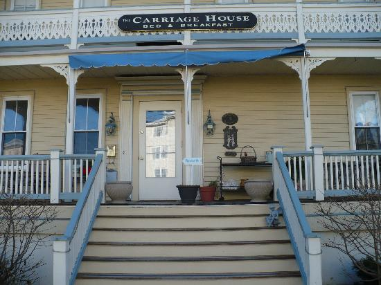 The Carriage House Bed & Breakfast: Front Door