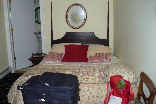 Carriage House B&B: Bed