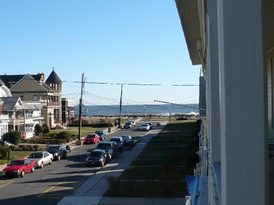 The Carriage House Bed & Breakfast: View from our balcony of the ocean
