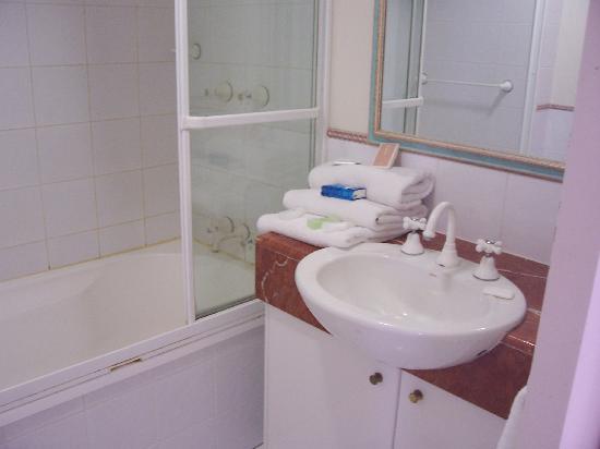 เบรคฟรีมอรอคคันรีสอร์ท: bathroom 2