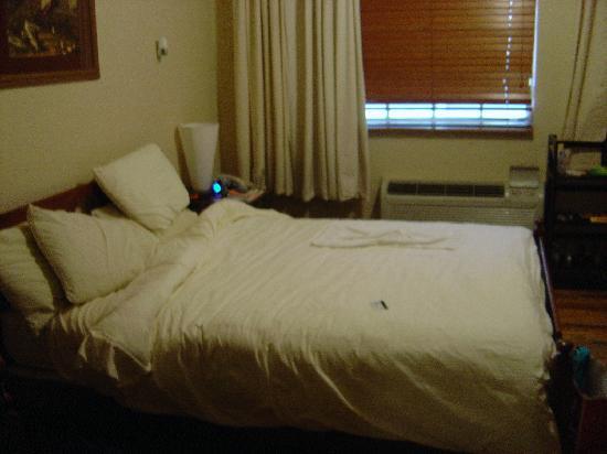 Lily Leon Hotel: Bedroom